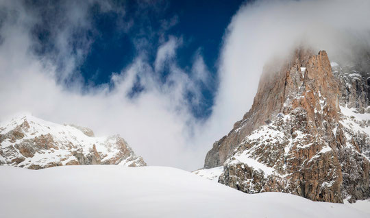 C'était ce mercredi matin, en remontant à ski vers la Meije et le Promontoire. Une superbe ambiance ! Un grand merci à Manu Rivaud pour sa photo.