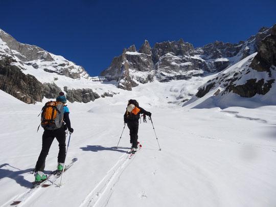 Dans le petit brouillard de ce lundi matin, on va préferer rester sur l'image de notre beau et bon weekend de ski en Oisans (photo Nath).