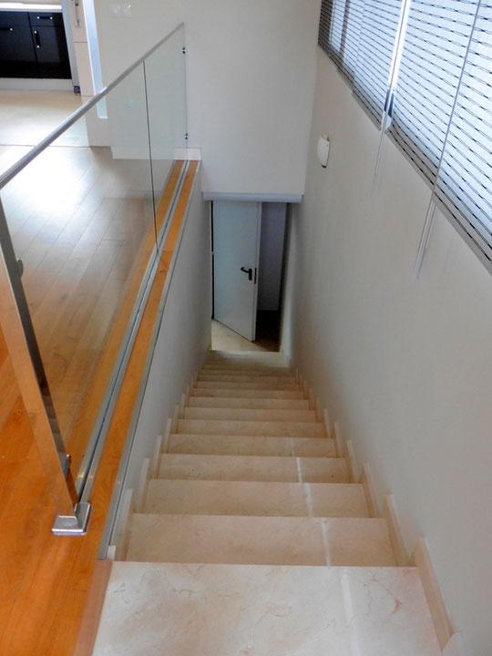 Treppen die zur Garage führen