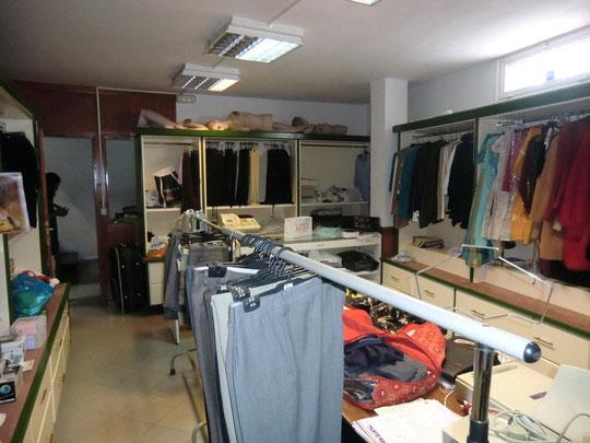 untere Etage des Ladenlokals zur Zeit als Modeladen geführt in La Paz auf Teneriffa zum mieten oder kaufen.
