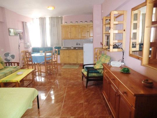 Grosser Wohn - Schlafraum im Apartment in zentraler Lage von Puerto de la Cruz auf Teneriffa