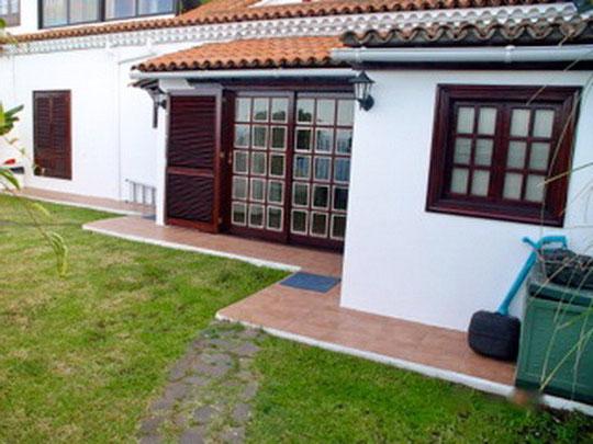 Außenansicht  der Immobilie La Paz mit einer Wohnfläche von 72 qm und Garten 80qm auf Teneriffa.