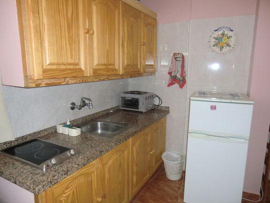 voll ausgestattete Küche im billigen Aüpartment zur Miete Langzeit in Puerto de la Cruz