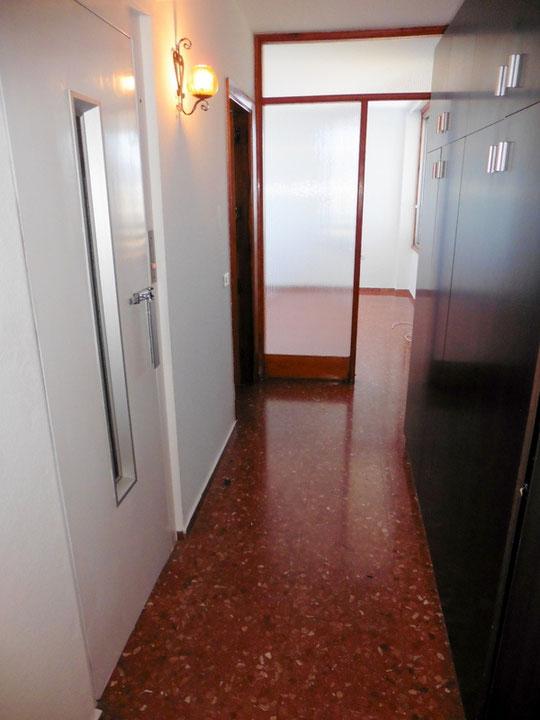 Flurbereich mit Zugang zum Aufzug