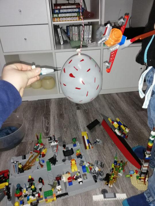 Mit Legokraft gegen Corona.  Nio, Kl. 4