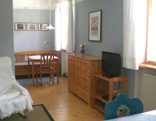Wohnung OG, Blickrichtung Küche (l)