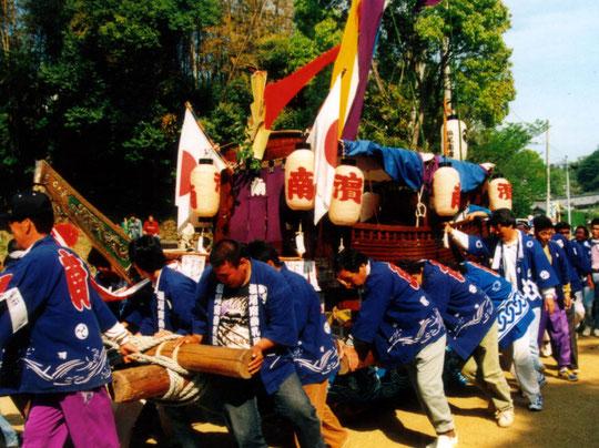 舟だんじり(塩田・春日神社)