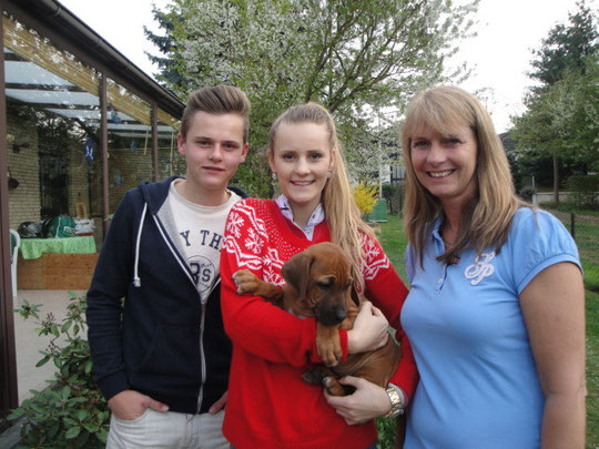 """Tosha wird nun Familie Schmitz aus Grafschaft-Lantershofen auf """"Trab"""" halten!"""