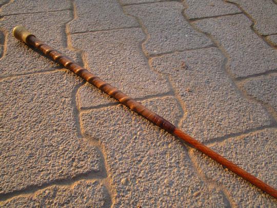 Dressurgerte, 1,20 m, lederumflochten mit Ledergriff und Ebenholzknopf