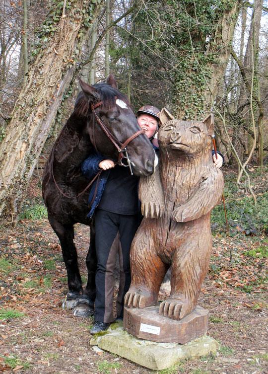 Bild mit Pferd und Bär