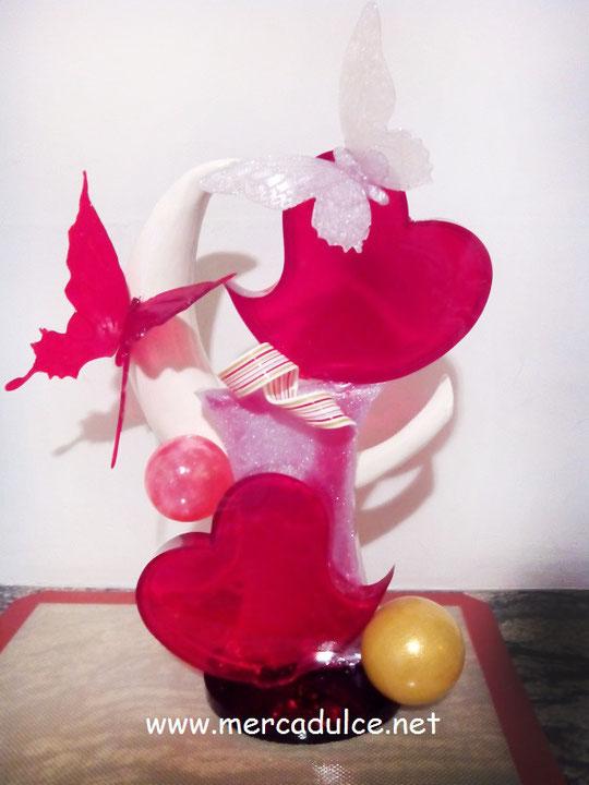 En los cursos de reposteria creativa de Merca Dulce (Málaga) podrás realizar bonitas esculturas de vanguardia en azucar isomalt. Aprenderás a trabajar con este ingrediente de forma profesional.