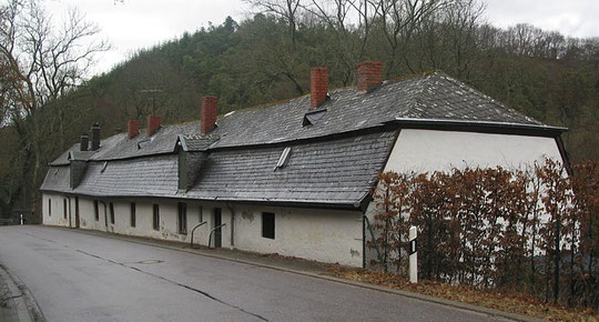Pluwiger Hammer; Hüttenwerk aus dem späten 19. Jahrhundert; Wohn- und Wirtschaftsgebäude (Blick von Süden)