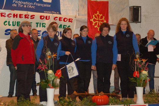 L'équipe féminine 1 : Brigitte JUNG, arbitre, Edwige ROLAND, TL, Ariane  ROLAND, AD, Camille TESSIER, BB, Morgane TESSIER, CO, Sylvie GOUFFE, AC, Elise NOREST Cap
