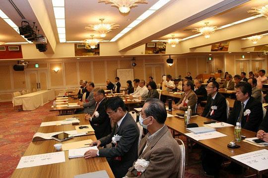 研究・業績発表会の会場の様子