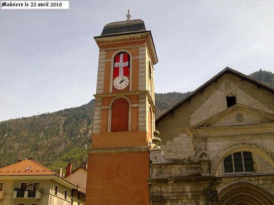 Même le cloché de l'évêché de Moûtiers en Tarentaise, prend les couleurs de sa Patrie
