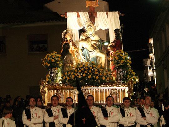 Paso de La Piedad en procesion