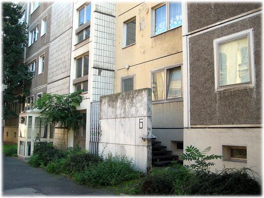 Bilder und Fotos der russischen Botschaft in Berlin. Die Bilder zeigen Gebäude der russischen Botschaft und wichtige Gebäude und Häuser im DDR-Stil und DDR-Bauweise.