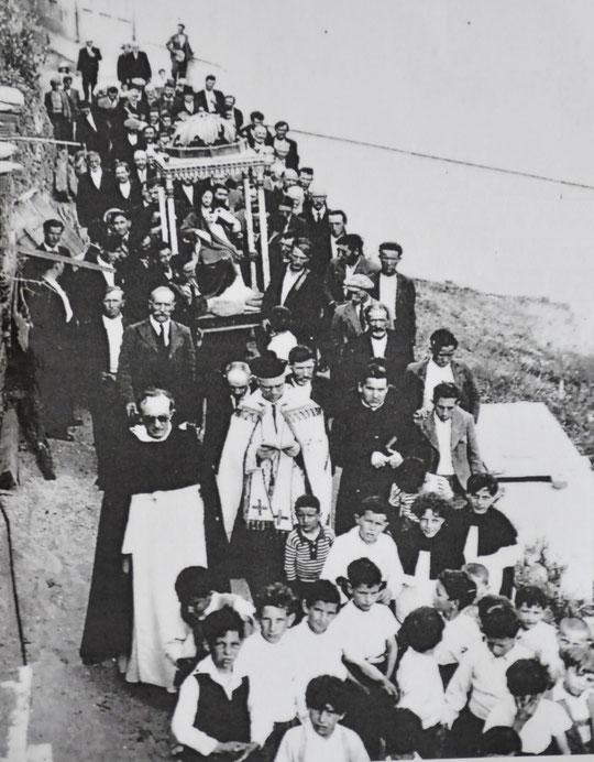 ASCO - Procession avec la statue du Sacré-Coeur