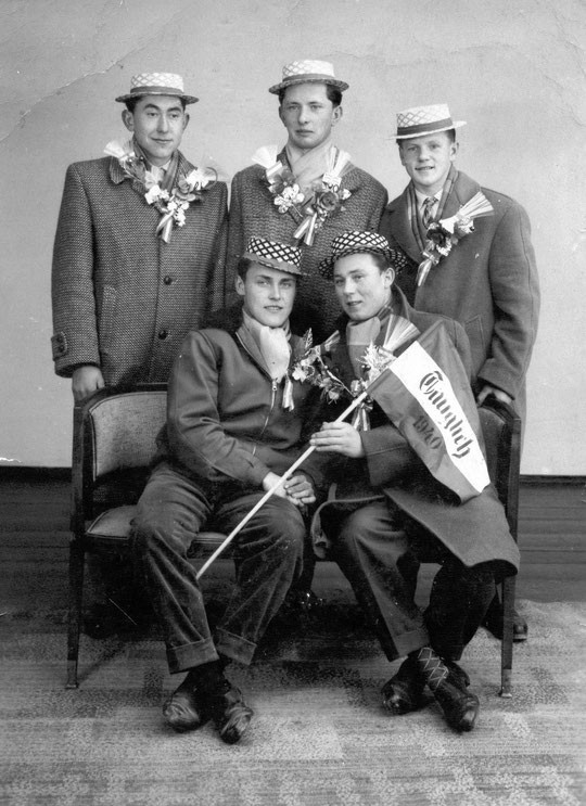 Jahrgang 1940: hinten: Josef Karpf, Oswald Fiby, Alois Paffenberger;   vorne: Karl Fritz u. Gottfried Wagner