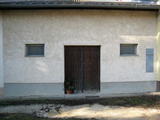 Untere Kellergasse - Presshaus mit Baumpresse von Josef Amon