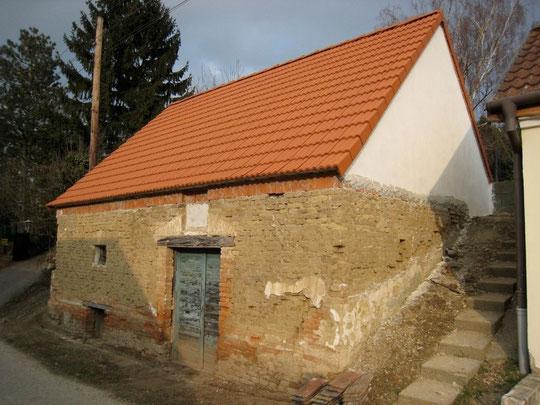 Maria Bründl-Weg - Presshaus mit originalem Gaitloch von Franz Bogner