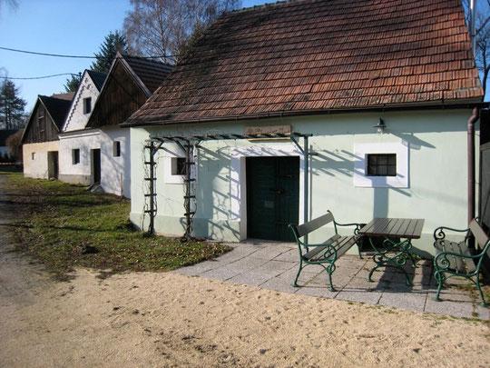 Schönes Presshaus-Ensemble mit gemütlichem Kellerplatz'l von Oswald Fiby!!