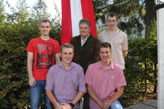 Jahrgang 1997: Hinten stehend: Bernd Brüstl, Ortsvorsteher Karl Stubenvoll, Stefan Scheiner; Vorne: Florian Böhm, Roland Krames