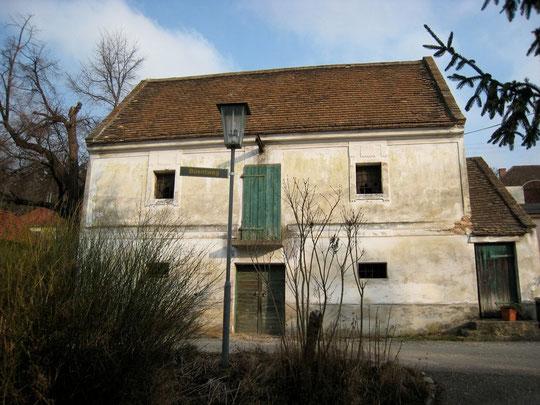 Beontweg - Presshaus mit Kellerstöckl