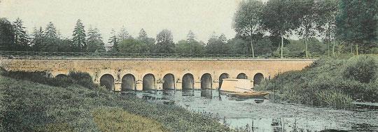 Le pont-canal sur le Morin à Condé.
