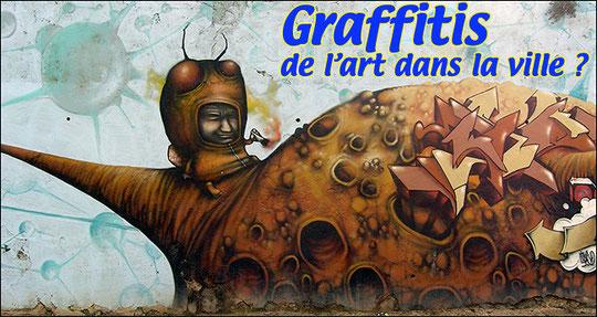 2 Projections animées par des transitions très élborées à partir d'extraits de graffitis photographiés à Marseille..