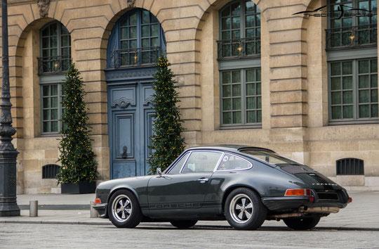 Nous avons pu observer cette magnifique Porsche 911 toute seule... moment de bonheur pour Matthieu !