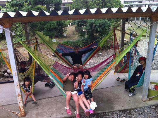 避難所でのハンモックカフェ