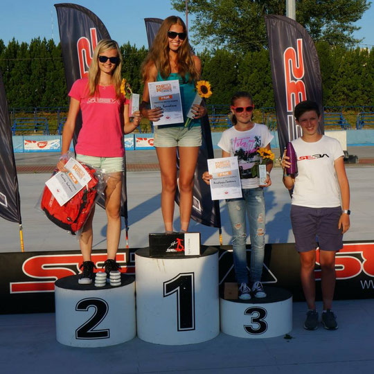 Women's Battle podium / Credit : SlalomTimTeam