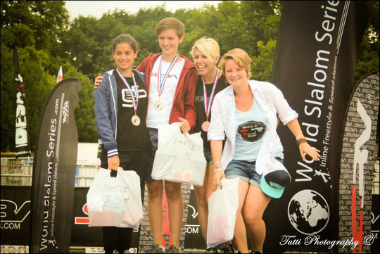 Women's podium of the Freestyle Bettle / Credit: Tiphaine Bourbon