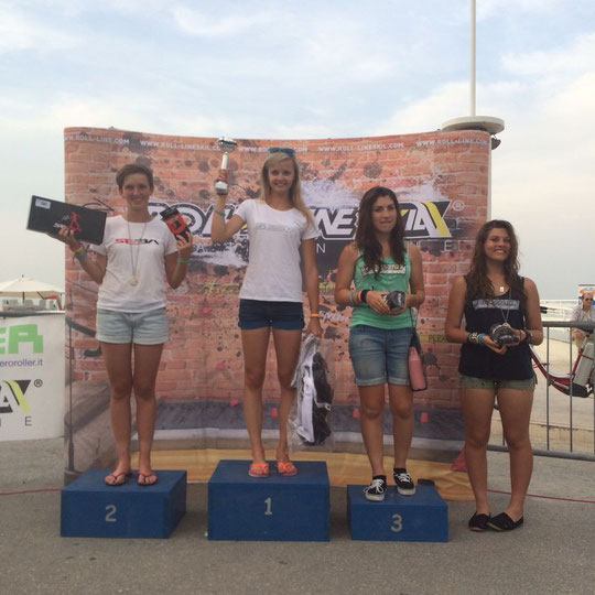 Battle Women's podium / Credit : Klaudia Hartmanis