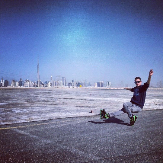 Skating in Dubai. Photo by Michał Sulinowski