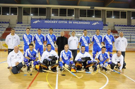 HOCKEY VALDAGNO 1938 - Campionato 2010-2011: Cocco, Bertagnin, Randon, Nicolia, Marozin, Panizza, Travasino, Rigo, Carlesso, Zen, Antezza, Oviedo, Pace, Vallortigara, Tataranni, Danzo