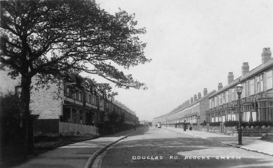 Another Edwardian image of Douglas Road