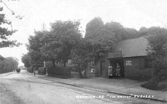 Harris's smithy, opposite Stockfield Road, c. 1905 (Peter White)