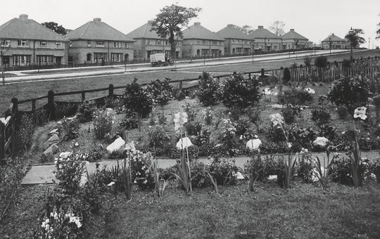 New council houses near the Olton end of the road, early 1930s (Birmingham Libraries)