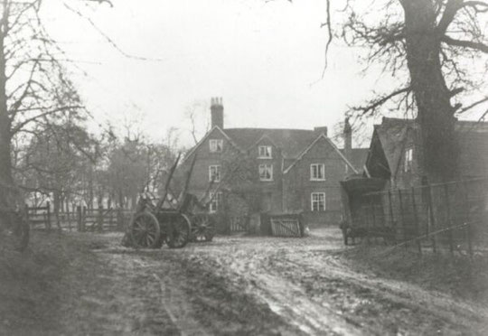 Hyron Hall Farm c. 1925, courtesy of Birmingham Libraries. This stood near Starcross Road.
