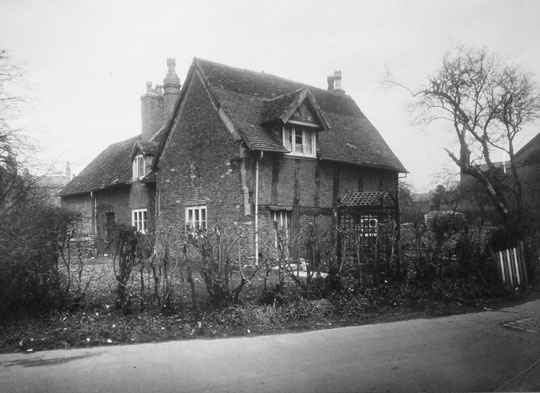 Half-timbered cottage at Flint Green Road, 1937, demolished c. 1952 (Birmingham Libraries)