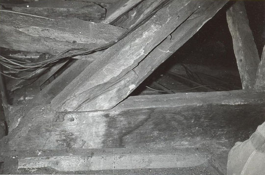 9. Painted beam opposite to nos. 7 and 8