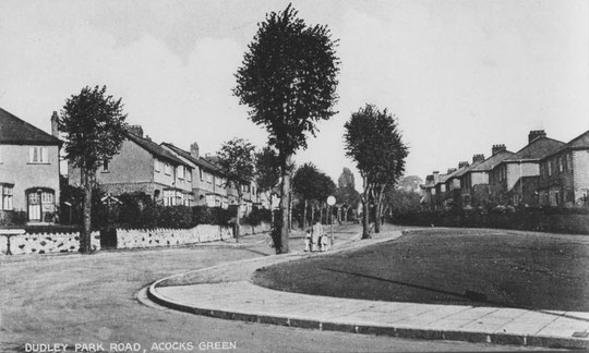 Bottom of Dudley Park Road, c. 1930. A car park occupies the verge today