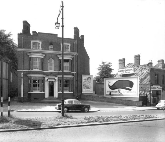 The Victorian Red Lion in 1959 (Birmingham Libraries)