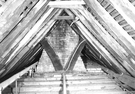 2. Roof section of main truss uncovered, 1972