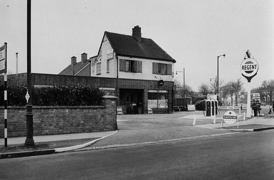 The Regent filling station seen from Westley Road, 1956 (Birmingham Libraries)