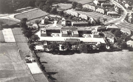 The school when new, late 1920s (thanks to Dennis Wilkes and  Matt Redmond for this photo)