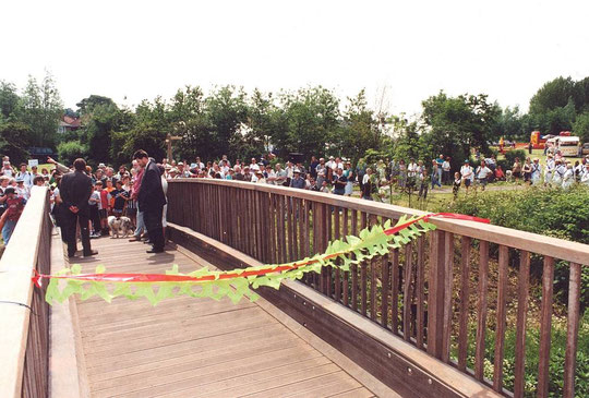 The opening of the Ackers Link bridge by David Bellamy (just visible behind Councillor Carl Rice) on 15th June 1996