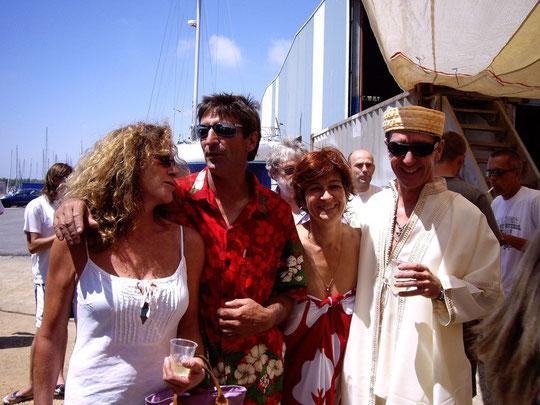 Jacques et Chloé avec Florence Arthaud et Olivier Mornet, marraine et parrain de Tangaroa